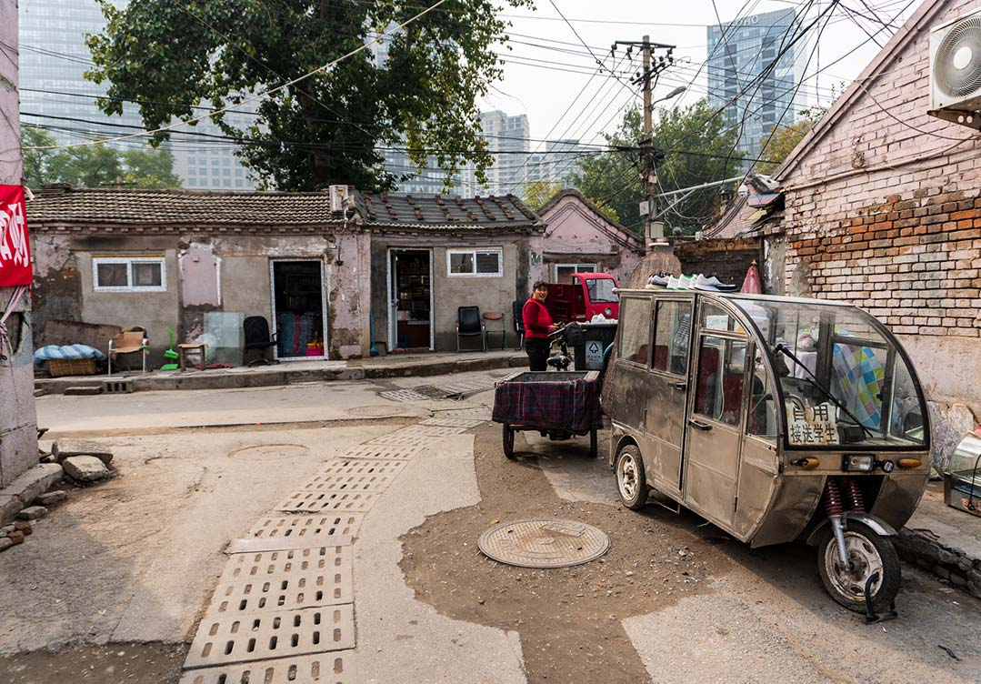 intersection of Huashiying E Alley and Guandongdian 2nd Alley